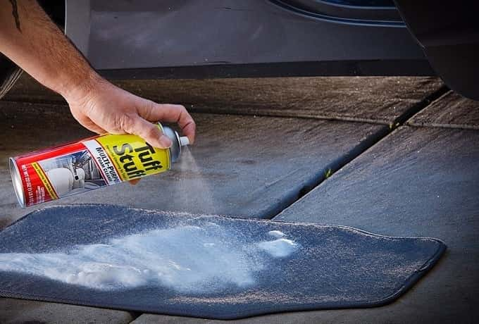 How to Buy the Best Car Carpet Stain Remover