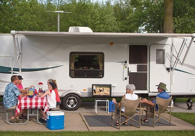 How to Buy the Best RV Antenna