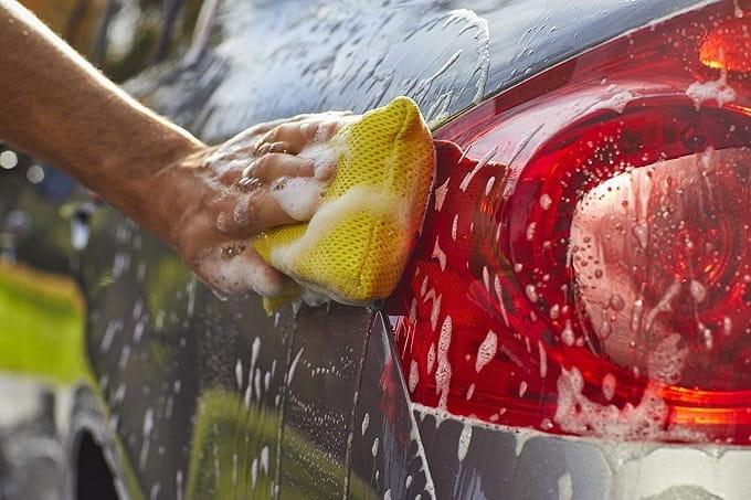 How to Buy the Best Wash Mitt & Sponge
