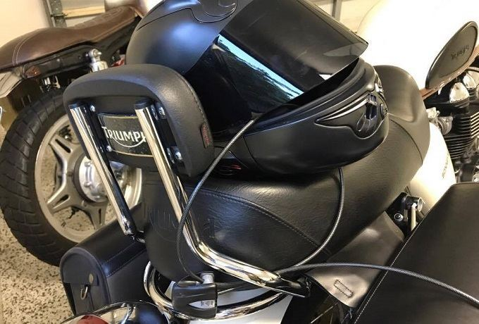 How to Buy the Best Motorcycle Helmet Locks