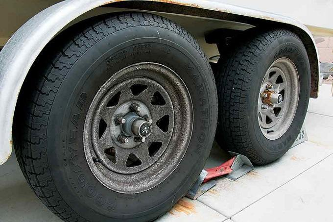 How to Buy the Best Trailer Tires
