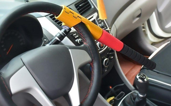 How To Unlock Steering Wheel >> Carcaretotal Essential Car Tools Accessories Tips Guides