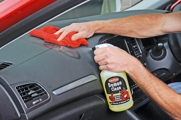 How to Buy the Best Dashboard Cleaners
