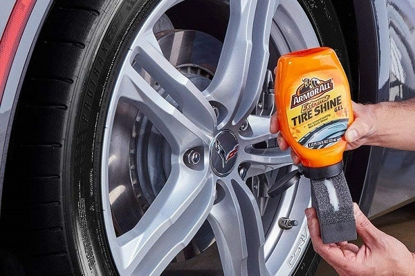 How to Apply Tire Shine
