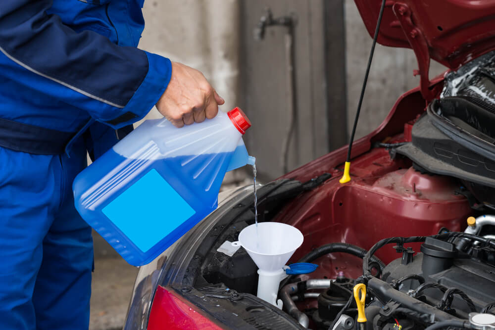 How to Buy the Best Windshield Washer Fluid